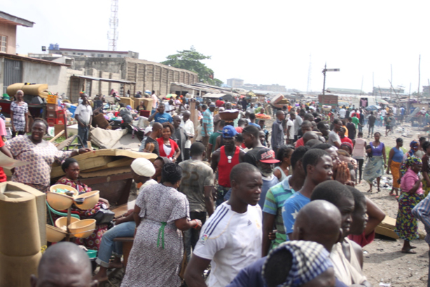 lagos_thousands_forcefully_evicted_in_badia_east.jpg